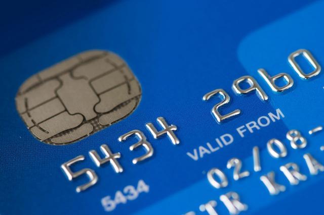 cartao-de-credito-azul-frente