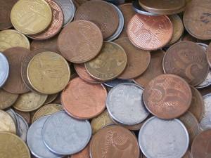 Já há cartões de crédito que lhe recompensam com dinheiro, cashback!